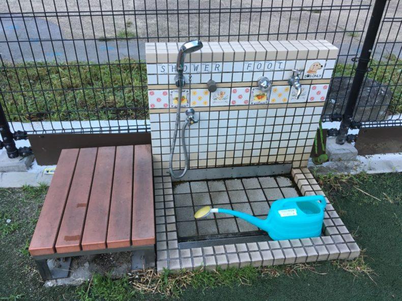 足柄SA下り 小型犬ドッグランのシャワーと足洗い場